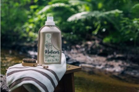 MULIERES: Natural concentrated laundry wash Nordic Forest 1,5 L (Jabón natural concentrado para la ropa Bosque Nórdico 1.5L/ 37 lavados)