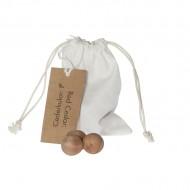 saco de algodón crudo con bolas de cedro rojo